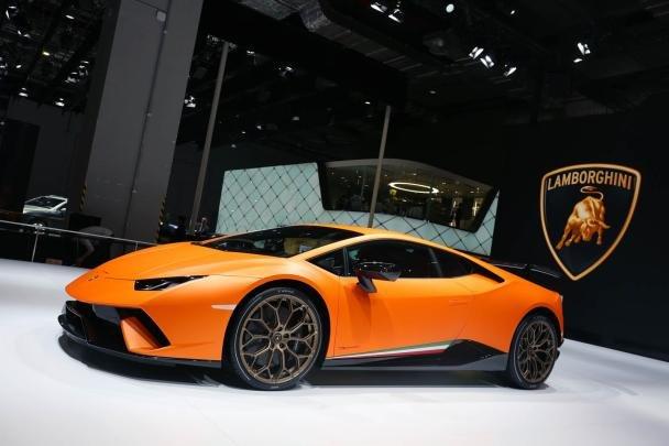 Lamborghini Huracán Performante angular front at 2017 Shanghai auto show