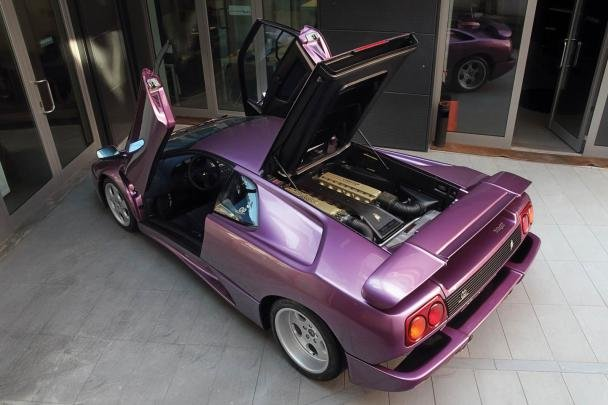 Lamborghini Diablo SE30 top view