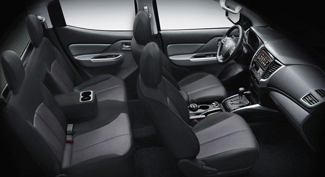 fabric seats of Mitsubishi Strada