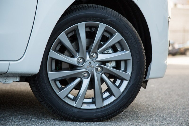 2017 Mitsubishi Mirage G4 rear wheel