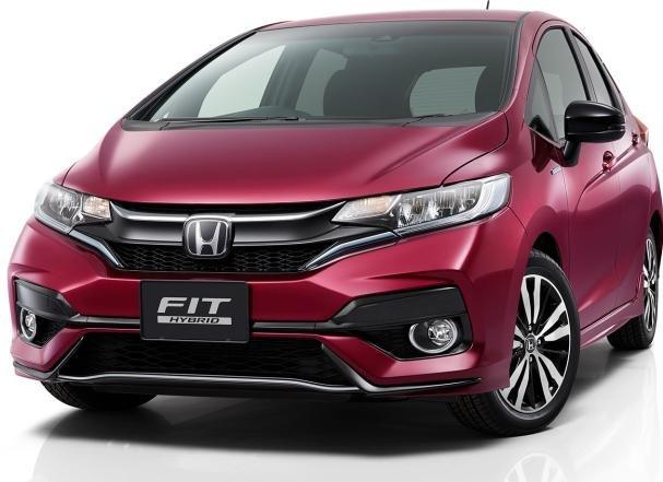 Angular front of 2017 Honda Jazz facelift