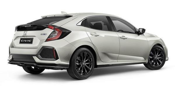 Honda Civic Black Pack angular rear