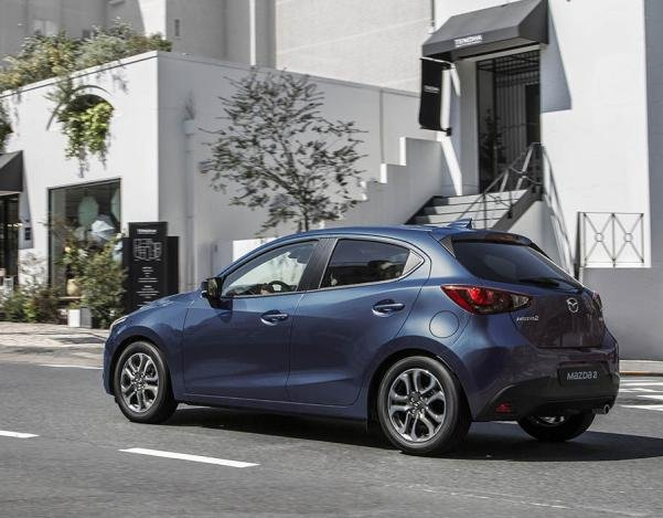 angular rear of the 2017 Mazda 2