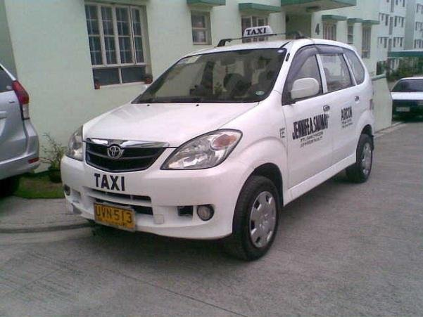 angular front of a Toyota Avanza taxi