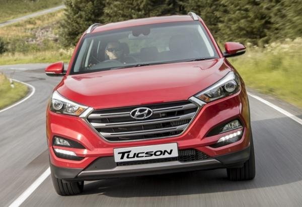 Front view of the Hyundai Tucson Sport