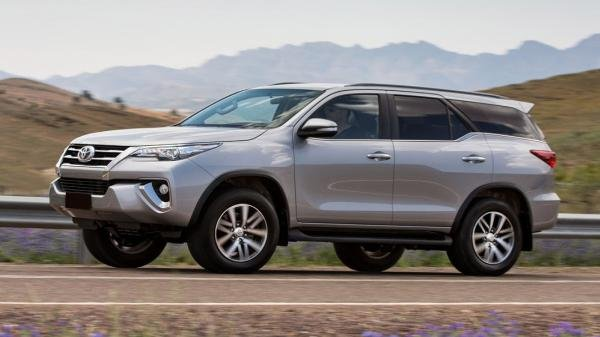 Side view of the Toyota Fortuner