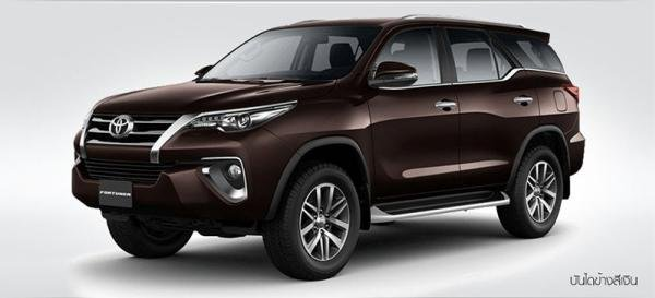 side view of the 2017 Toyota Fortuner
