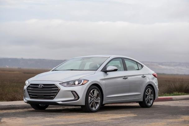 angular front of the 2018 Hyundai Elantra