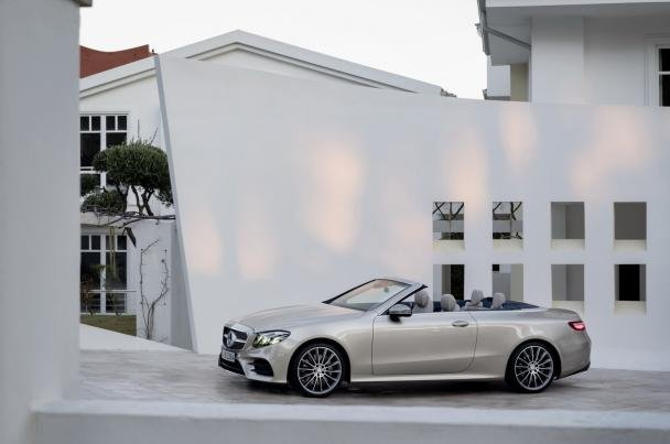 Side view of the 2018 Mercedes-Benz E-Class Cabriolet