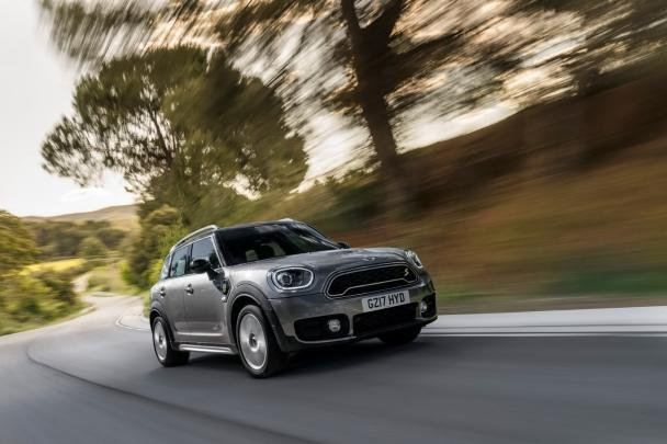 Mini Cooper S E ALL4 Countryman PHEV on the road