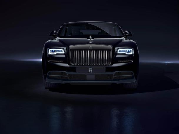 Front of the Rolls-Royce Dawn Black Badge