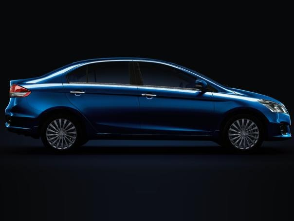 side view of the Suzuki Ciaz