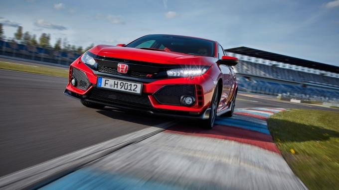 front view of the 2017 Honda Civic Type R