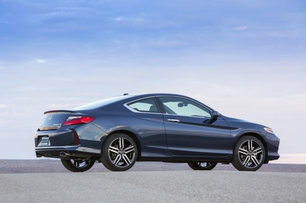 Side view of the Honda Accord Coupe