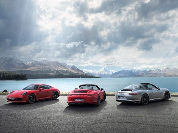 three Porsche 911 models
