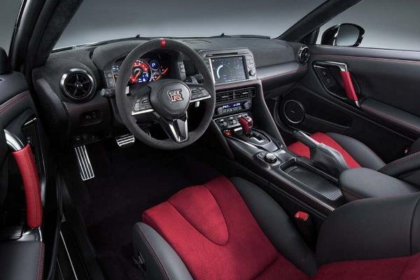 Inside of the Nissan GT-R NISMO
