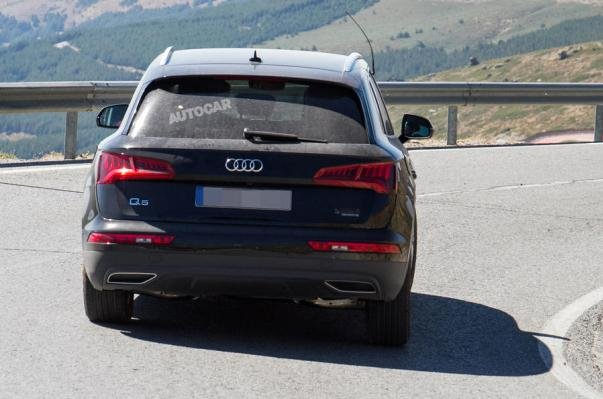 rear view of the Audi Q5 e-tron