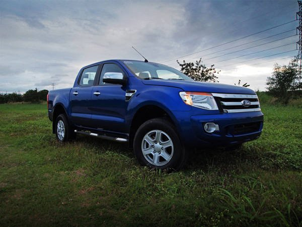 A blue Ford Ranger angular front view