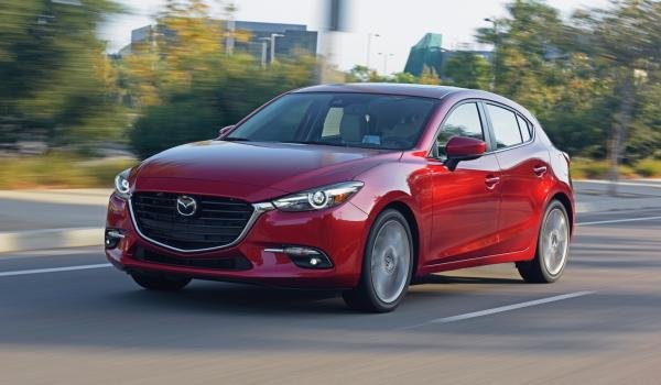 angular front of the 2018 Mazda 3