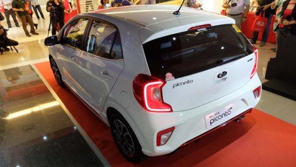 2018 kia picanto philippines. brilliant 2018 2018 kia picanto the car looks modern and sportier with new rear  bumpers cshaped led tail lights intended kia picanto philippines