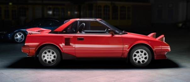 side view of the Toyota MR2