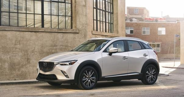 angular front of the Mazda CX-3 2018