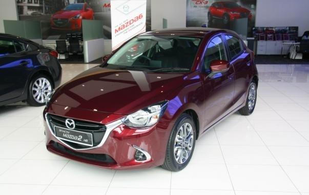 angular front of the 2017 Mazda 2 GVC