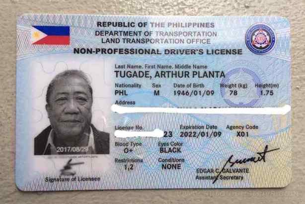 Plastic driver's license card in the Philippines