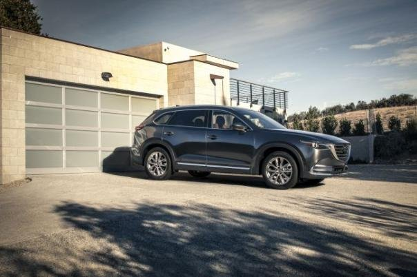 side view of the 2018 Mazda CX-9