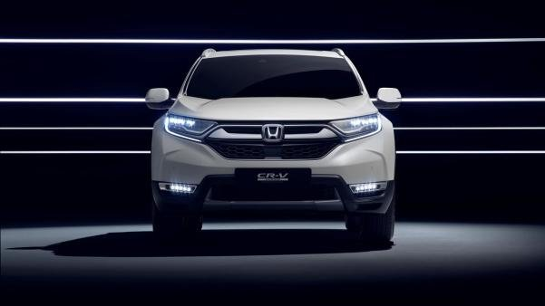 Front view of the 2018 Honda CR-V Hybrid