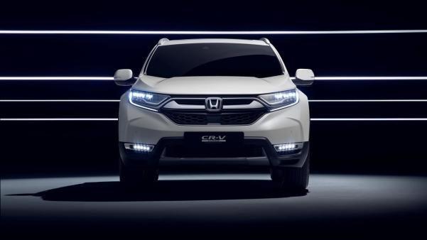 Front view of the 2018 Honda CR-V Hybrid