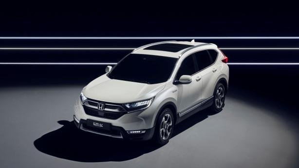 angular front of the 2018 Honda CR-V Hybrid
