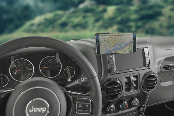 Put smartphone on dashboard