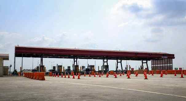 A toll collection point in the Philippines