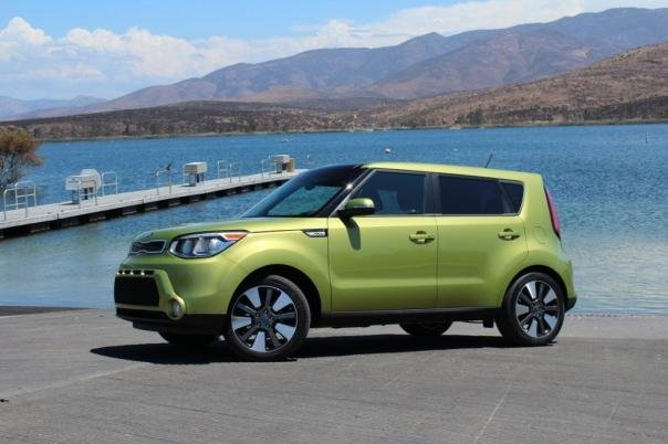 Side view of the 2017 Kia Soul