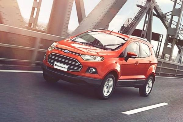 2017 Ford EcoSport on the road