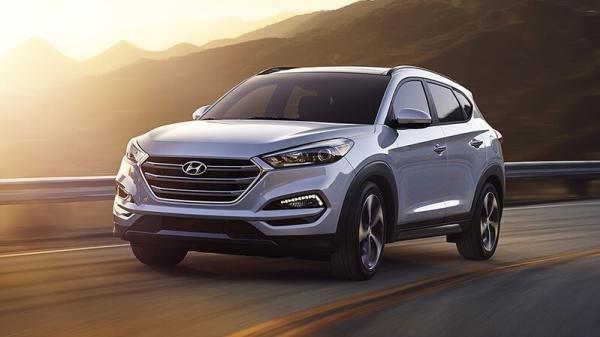 Hyundai Tucson 2017 on the road