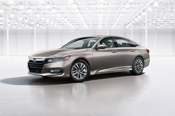 angular front of the Honda Accord 2018