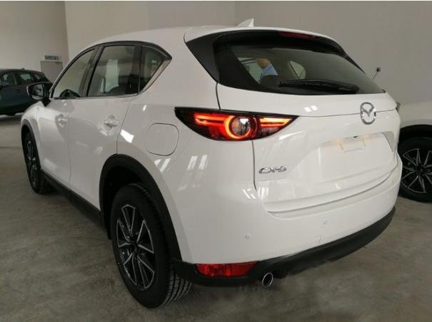 angular rear of the Mazda CX-5 2017