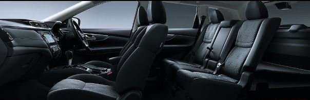 Nissan X-Trail 2018 all-black interior