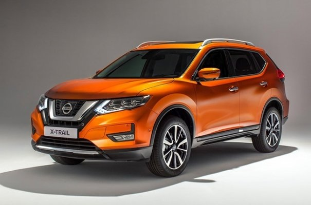 An orange Nissan X-Trail 2018 angular front view