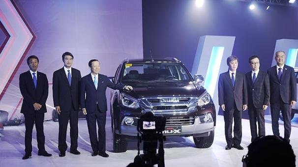 Isuzu leaders at its 20th anniversary