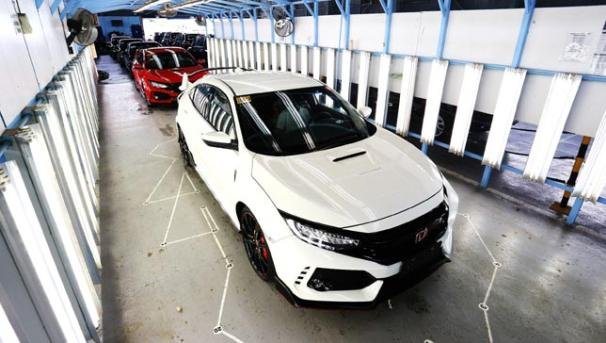 The first batch of the Honda Civic Type R in the Philippines