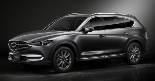angular front of the Mazda CX-8 2018