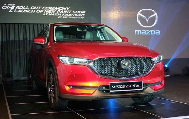 angular front of the all-new Mazda CX-5 2017