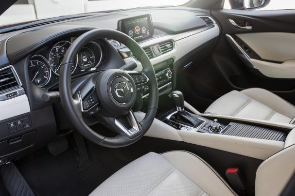 2017.5 Mazda 6 interior