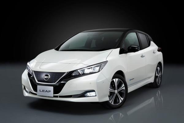 Angular front of a white Nissan Leaf