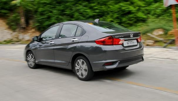Honda City 1.5 VX Navi 2018 angular rear