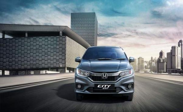 Honda City 1.5 VX Navi 2018 front view
