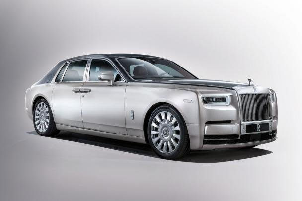 Rolls-Royce Phantom 2018 angular front